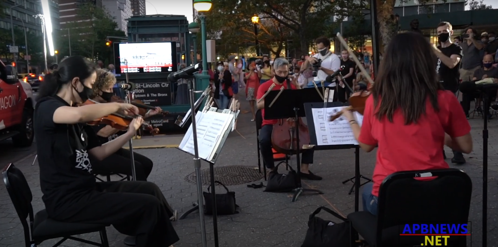 NY Philharmonic Takes it to the Streets